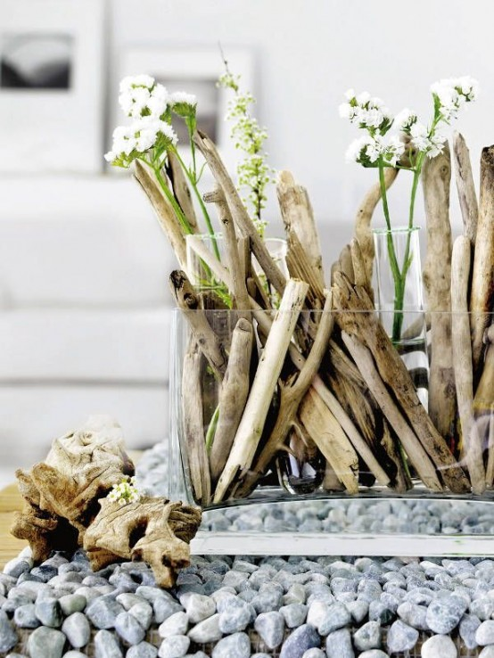 ideas-to-use-driftwood-in-home-decor-3-554x738