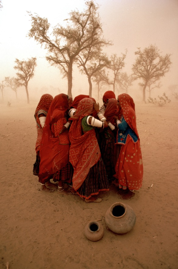 india-10219nfduststorm.jpg